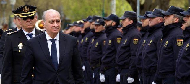 """Fernández Díaz destaca el carácter """"imprescindible"""" de la Policía Nacional"""