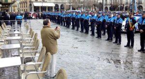 policia-espana-movil-mirar-privacidad-body-image-1462204841