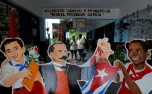 La limpieza alegra la escuela. Foto: Ismael Francisco/Cubadebate