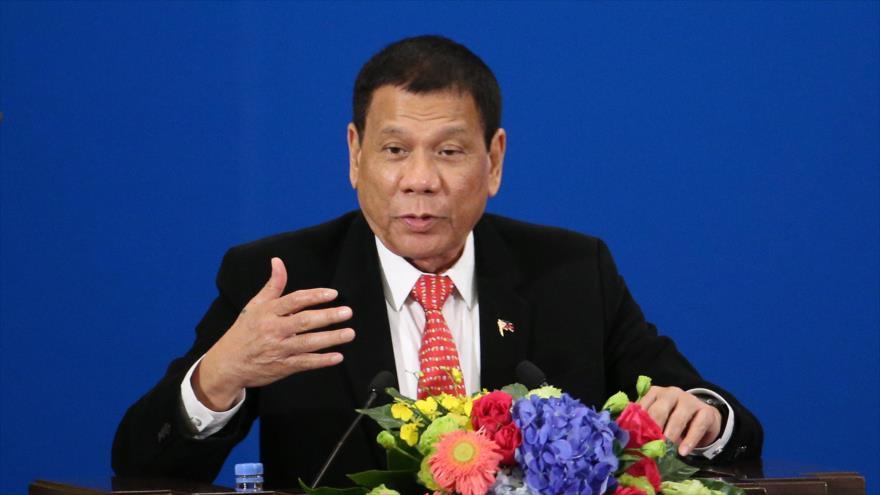 El presidente de Filipinas, Rodrigo Duterte, hace un discurso durante un foro de negocios en Pekín, capital china, 20 de octubre de 2016.