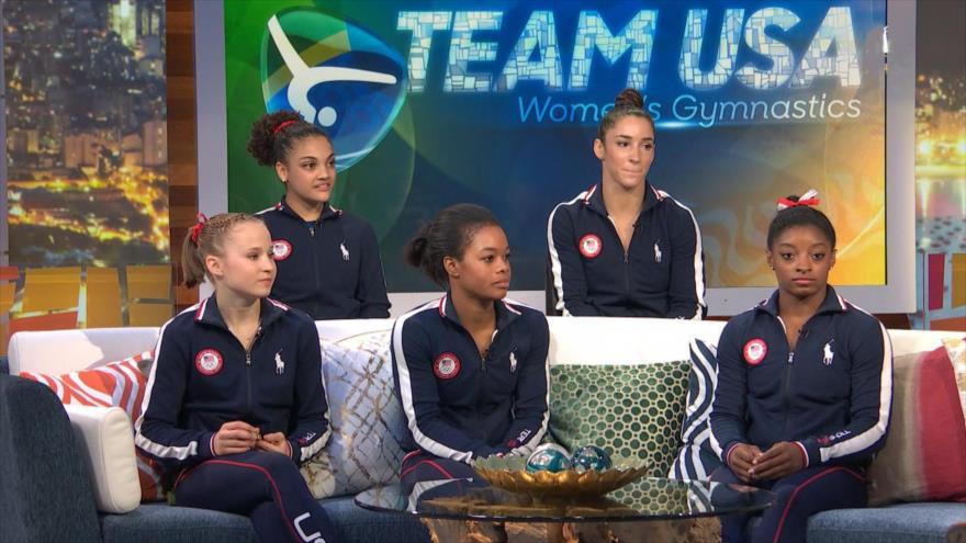 Miembros de la selección nacional de gimnasia femenina de EE.UU.